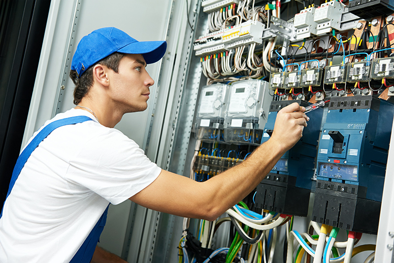 Domestic Electrician in Rugby Warwickshire