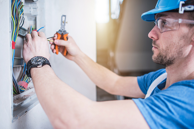 Electrician Qualifications in Rugby Warwickshire
