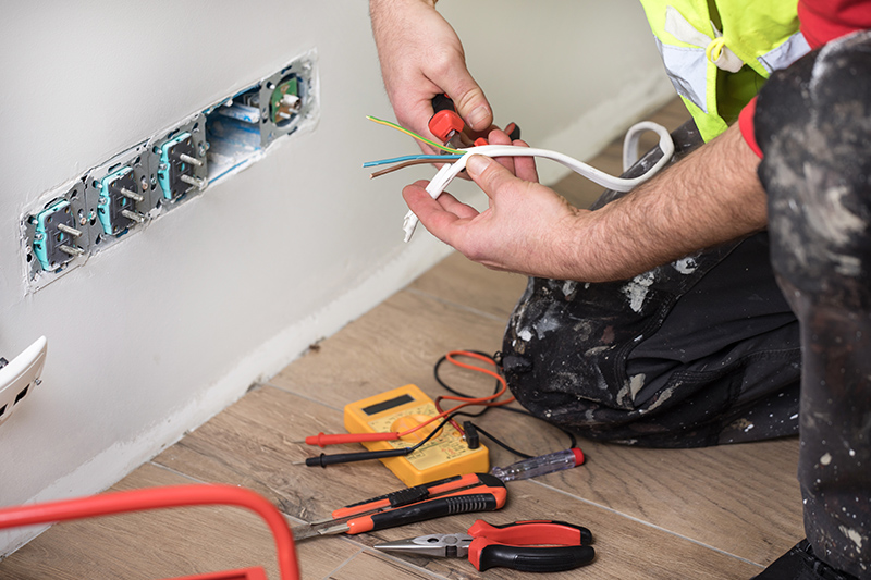 Emergency Electrician in Rugby Warwickshire