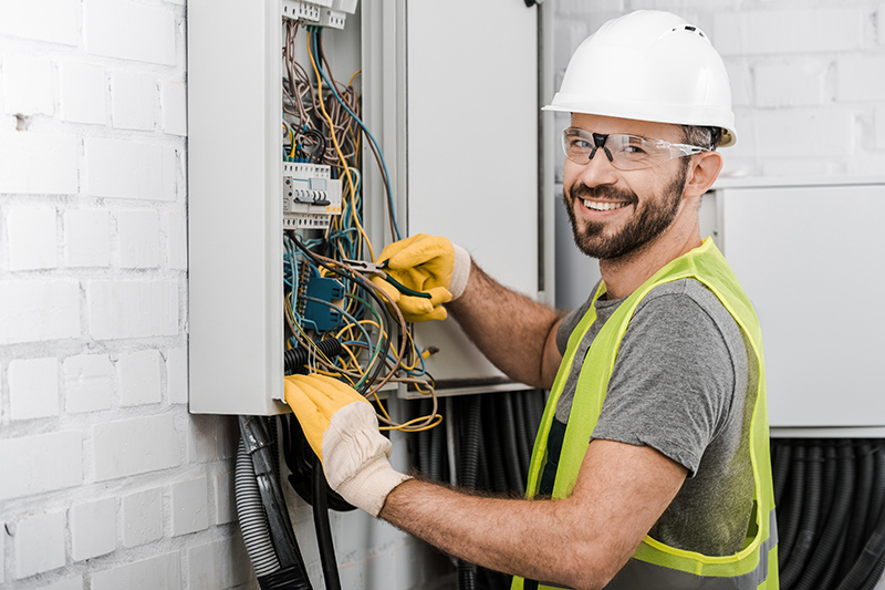 Local Electricians Near Me in Rugby Warwickshire